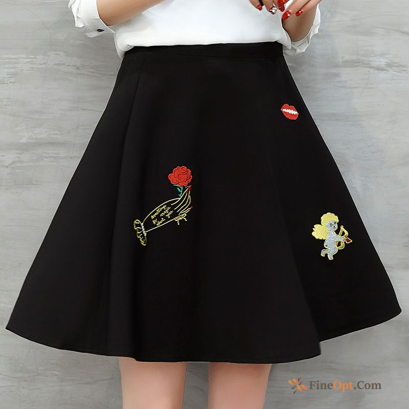Cheap New Thin Skirts Fashion Spring Pleated Embroidery Skirts