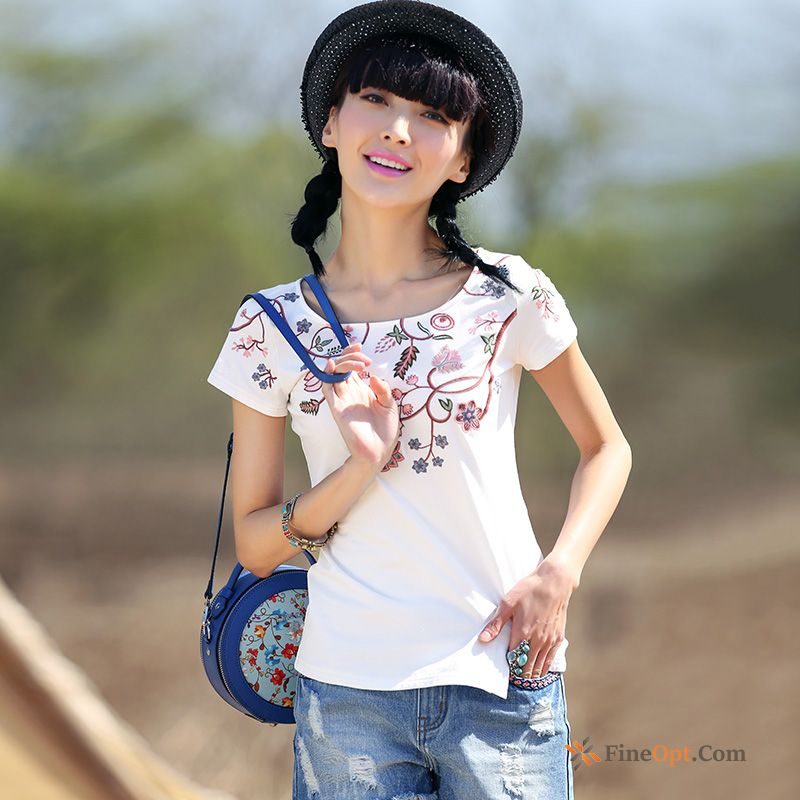 Embroidery Flower Round Neck Shorts Slim Sleeve T-shirt T-shirts